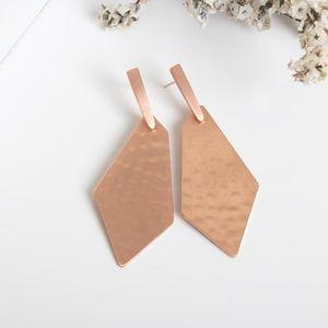 Kendra Scott Jewelry - Kendra Scott Gia Drop Earrings In Rose Gold